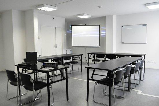 Alezan Hotel & Residence : Salle réunion Travail