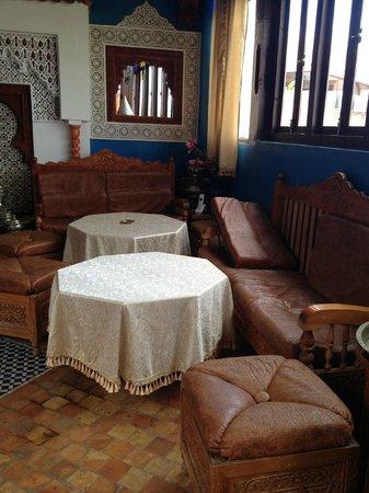 Riad Hiba Meknes:                   la sala