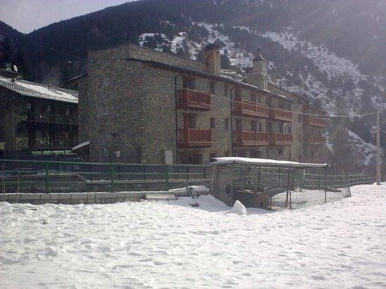 Hotel Parc d'Os:                   vista posterior del hotel