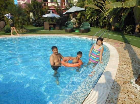 Godwin Hotel:                                     pool