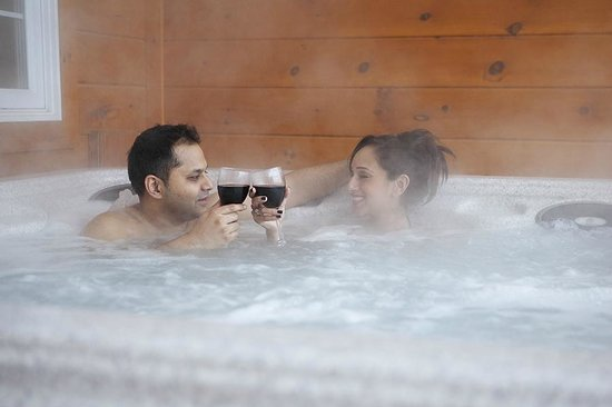 Couples Resort: Private Hot Tubs