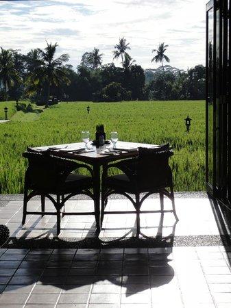 The Chedi Club Tanah Gajah, Ubud, Bali – a GHM hotel: 超美的稻田早餐