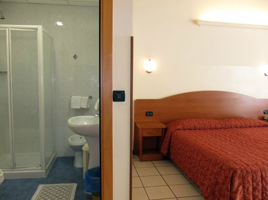 Camera singola - Foto di Soana City Rooms, Genova - TripAdvisor