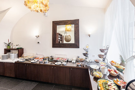 Hotel Residence Agnes: Rich buffet breakfast is included the room rate