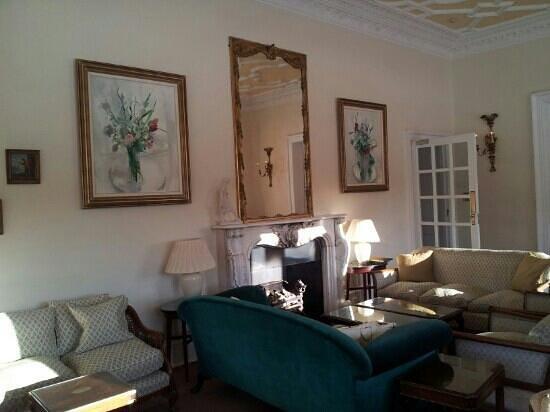 بالاثي كنتري هاوس هوتل آند إستيت:                   drawing room                 