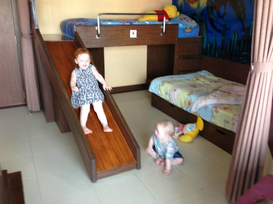 Mercure Pattaya Hotel:                   kids corner in family room