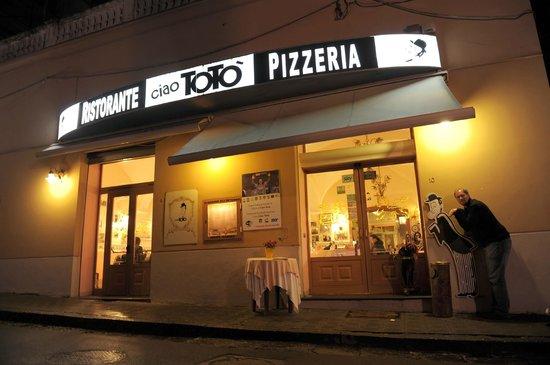 Ciao Toto Entrance