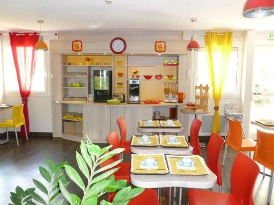 Ptit Dej-hotel Chartres : Petit déjeuner buffet