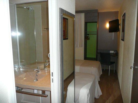 Ptit Dej-hotel Chartres : Chambre Twin