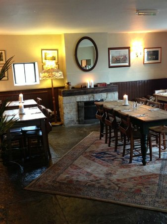 The Bell Inn: Dining area