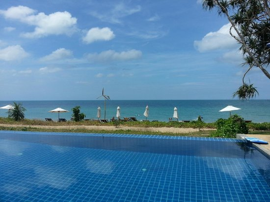 Anda Lay Boutique Resort:                   View from the pool