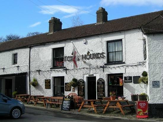 Fox & Hounds Inn:                   Pub exterior
