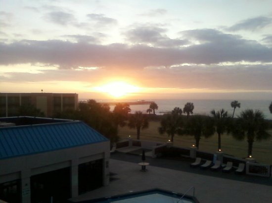 DoubleTree Resort by Hilton Myrtle Beach Oceanfront:                   sunrise from my patio