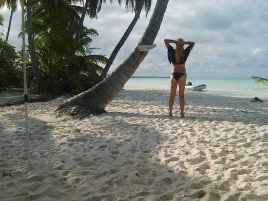 Cocos Castaway:                   Kiteboarding beach