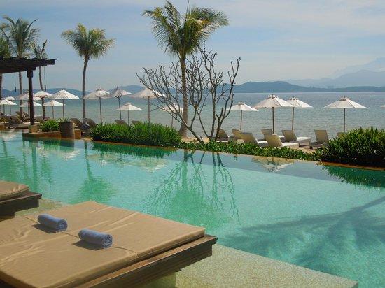 Gaya Island Resort:                   meravigliosa piscina