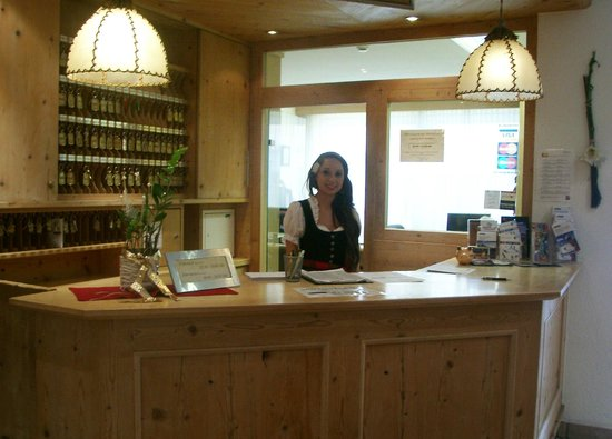 Hotel Tyrol:                   Reception Lady