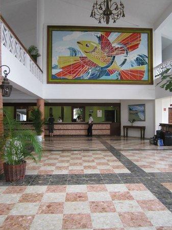 Hotel Beach House Playa Dorada:                   Front Lobby