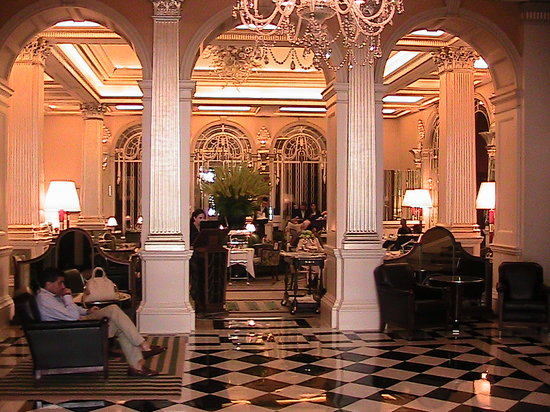 Claridge's:                   Foyer