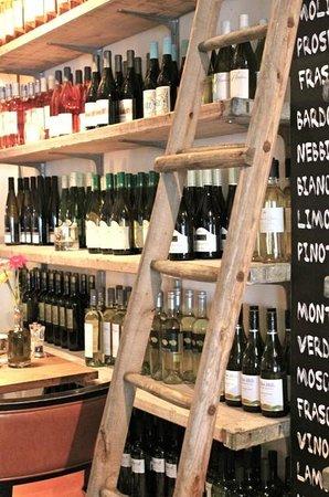 Restaurant Vis & Meer:                                     Wine display