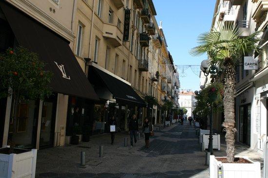 Hotel le Petit Trianon:                                     the sreet of the hotel