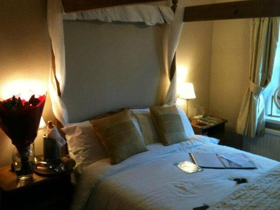 Smugglers Rock Country House:                   Room was nice, warm, and cosy!