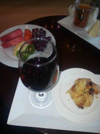 هياة ريجينسي ترينيداد:                   Compliments of Spa Essencia                 