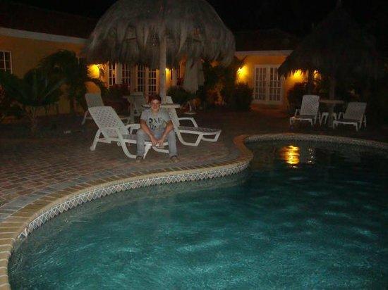 Aruba tropic apartments desde noord for Apartahoteles familiares playa