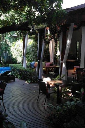 Baan Klang Wiang:                   Dining area