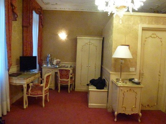 Hotel Becher:                   Junior Suite