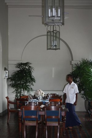 Amangalla:                   Dining room