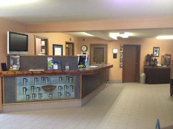 Super 8 St. Regis : Front Desk/Lobby