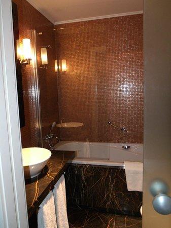 Eurostars Thalia Hotel:                   bathroom