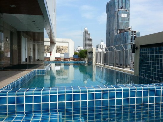 Adelphi Suites Bangkok:                   Roof top pool
