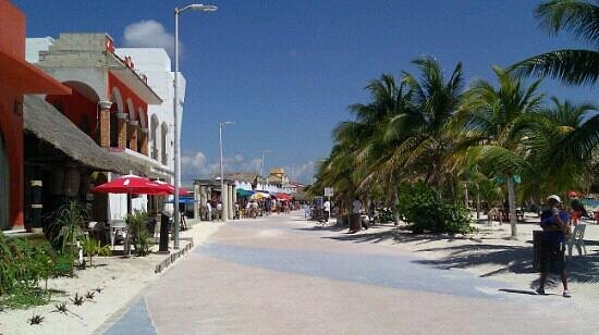 Mahahual, Mexico:                   amazing beach,Food and shooping