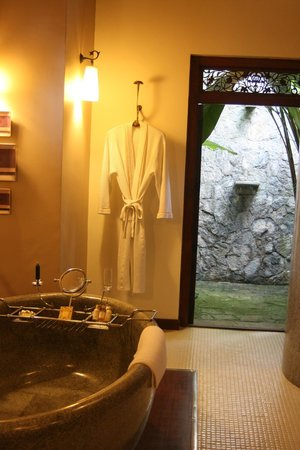 Reef Villa & Spa:                   Bath and outdoor shower (there's an indoor one too)