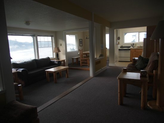 Inn at Arch Rock:                   Livingroom, kitchen and dining room area                 