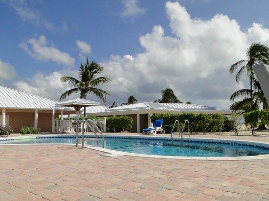 Cayman Brac Beach Resort:                                     Pool