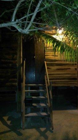Hostel & Cabanas Ida y Vuelta Camping:                   Cabana Entrance