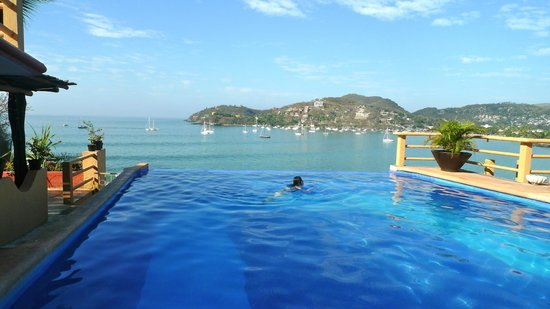 Hotel Irma:                   Morning swim at the infinity pool.