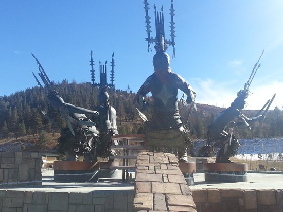 Inn of the Mountain Gods Resort & Casino:                                     statue at entrance