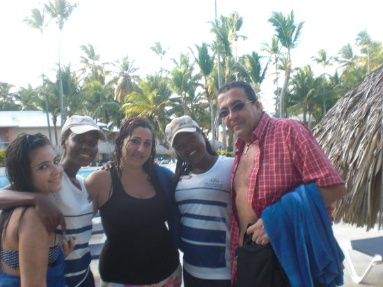 Grand Palladium Punta Cana Resort & Spa:                   con las animadoras del palace