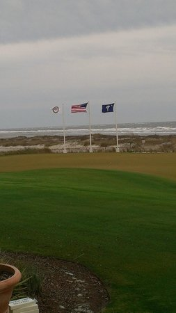 The Sanctuary Hotel at Kiawah Island Golf Resort:                   Ocean Course Putting Green
