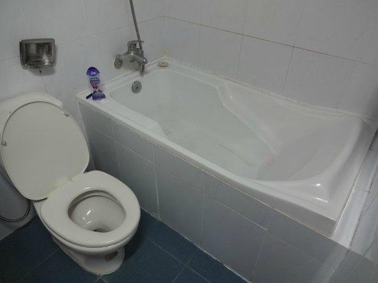 Thanh Binh I Hotel :                   Tin bath