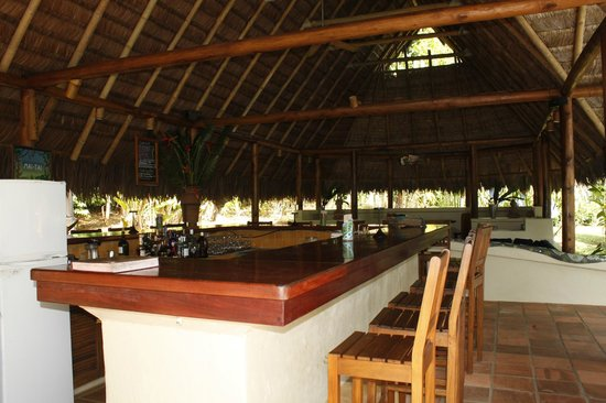 Bosque del Cabo Rainforest Lodge:                   bar area