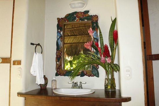 Bosque del Cabo Rainforest Lodge:                   outdoor sink, common bathroom area