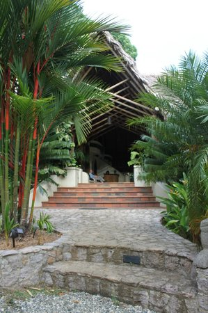 Bosque del Cabo Rainforest Lodge:                   entrance