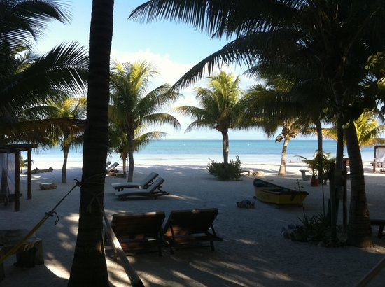 Holbox Hotel Mawimbi:                                     The beach