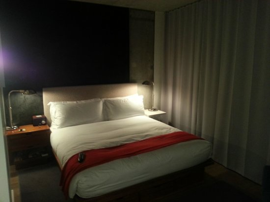 The Nolitan Hotel:                   Bed