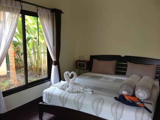 Ao-Nang Bamboo Bungalows : D room
