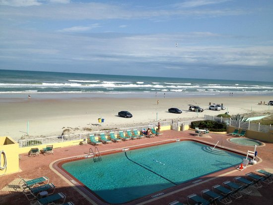 Daytona Inn Seabreeze:                   View from my room!